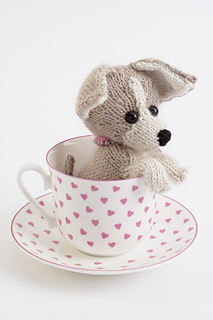 Knitted Dogs & Puppies by Sue Stratford Chihuahua