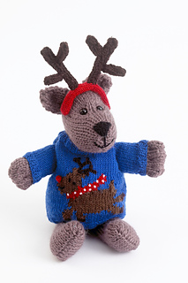 Knitted Dogs & Puppies by Sue Stratford Christmas Dog