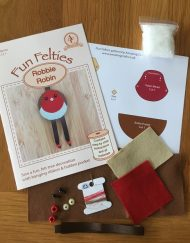 Amazing Craft Fun Felties Robbie Robin Kit contents