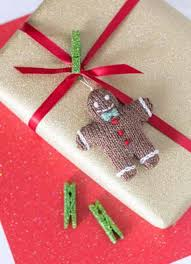 gingerbread man - Tiny Christmas Toys to Knit